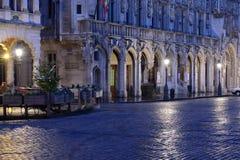 布鲁塞尔大广场的夜照明在布鲁塞尔 免版税库存照片