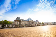 布鲁塞尔王宫白天的在比利时 免版税库存照片