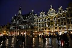 布鲁塞尔盛大地方在夜之前 库存照片