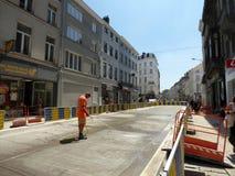布鲁塞尔,比利时- 2018年7月10日:道路复原在Chausse d `伊克塞尔运作在伊克塞尔,布鲁塞尔 免版税库存照片