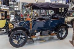 布鲁塞尔,比利时- 2017年5月01日:在Autoworld museu的葡萄酒汽车 免版税库存照片