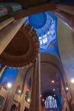 布鲁塞尔,比利时- 2016年12月05日-耶稣圣心库克尔贝尔赫的全国大教堂的内部 库存图片