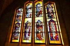 布鲁塞尔,比利时- 2016年12月05日-耶稣圣心库克尔贝尔赫的全国大教堂的内部 库存照片