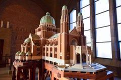 布鲁塞尔,比利时- 2016年12月05日-耶稣圣心库克尔贝尔赫的全国大教堂的比例模型 库存图片