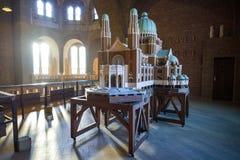布鲁塞尔,比利时- 2016年12月05日-耶稣圣心库克尔贝尔赫的全国大教堂的比例模型 免版税库存图片