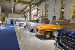 布鲁塞尔,比利时- 2016年12月05日- Autoworld博物馆,从开始显示汽车的历史老汽车收藏 免版税图库摄影