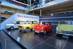 布鲁塞尔,比利时- 2016年12月05日- Autoworld博物馆,从开始显示汽车的历史老汽车收藏 免版税库存照片