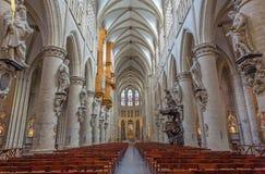 布鲁塞尔-圣迈克尔和圣徒Gudula哥特式大教堂教堂中殿  库存图片