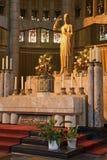 布鲁塞尔-在神圣的重点的大教堂的法坛 免版税库存照片