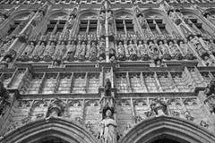 布鲁塞尔-城镇厅哥特式门面  图库摄影