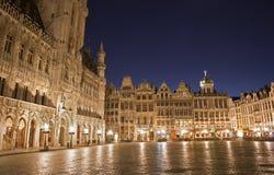 布鲁塞尔-大广场和城镇 免版税库存图片