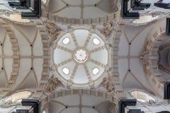 布鲁塞尔-教会Notre Dame辅助财宝Claires圆屋顶  免版税库存图片