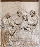 布鲁塞尔-耶稣集会石安心耶路撒冷的妇女在教会Notre Dame du Bon Secource里 图库摄影