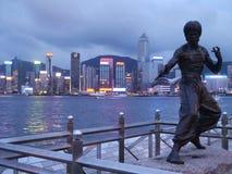 布鲁斯・李雕象在香港 免版税库存图片