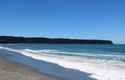 布鲁斯海湾或Mahitahi,南韦斯特兰新西兰 免版税库存图片