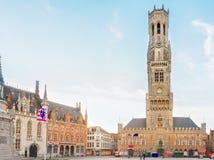 布鲁日和格罗特Markt广场,比利时钟楼  免版税图库摄影