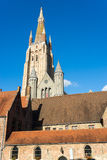布鲁日,比利时欧洲- 9月25日:我们的增殖比的夫人教会  库存图片