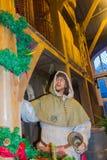 布鲁日,比利时- 2017年12月13日:一个中世纪人的时装模特的看法Historium博物馆的 库存图片