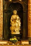 布鲁日,比利时- 2016年9月6日:一个大理石雕塑Michelangel 免版税库存照片