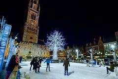 布鲁日,比利时- 2016年12月05日-圣诞节老集市广场在布鲁日 图库摄影