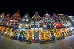 布鲁日,比利时- 2016年12月05日-圣诞节老集市广场在布鲁日 库存图片