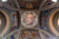 布鲁纳泰,意大利- 2016年5月:圣安德鲁圆顶传道者教会是一个神圣的建筑工地在布鲁纳泰,科莫省的  免版税库存图片