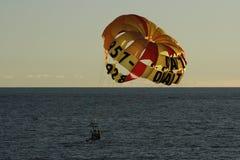 帆伞运动在牙买加 免版税库存图片