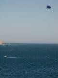 帆伞运动在Cabo圣卢卡斯 免版税库存照片
