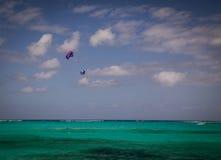 帆伞运动雍容海湾 免版税库存照片