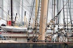 帆柱、绳索和风帆 库存照片