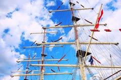 帆柱彼得斯堡俄国帆船st 免版税图库摄影