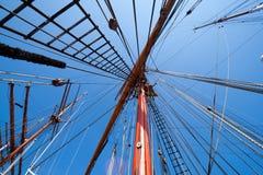 帆柱风帆船 库存图片