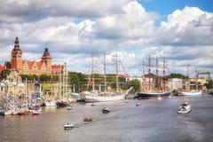 帆船停住在Chrobry堤防在高船的决赛期间赛跑2017年 免版税库存图片