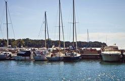 帆船在安全港口 免版税图库摄影