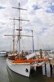 帆船在Denarau港口,斐济。 库存照片