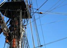 帆船帆柱和索具的细节 免版税库存照片
