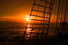 从帆船的日落视图 免版税库存照片