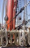 帆船的索具的片段 库存图片