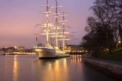 帆船af沿街叫卖者在斯德哥尔摩 免版税库存照片