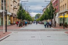 希奥利艾,立陶宛- 2016年8月18日:步行街道在Siaulai,北Lithuan的城市 免版税库存照片