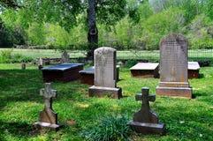 希尔斯伯勒角, NC :柯克兰家庭在艾尔登上的埋葬剧情 免版税库存照片