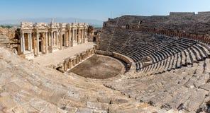 希拉波利斯古城在棉花堡,土耳其 免版税库存图片
