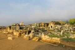 希拉波利斯古老古色古香的废墟  库存照片