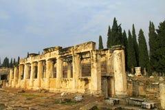 希拉波利斯古老古色古香的废墟  图库摄影