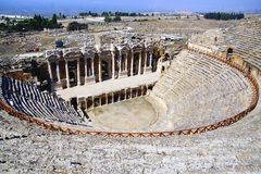 希拉波利斯古老废墟  免版税图库摄影