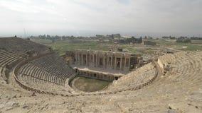 希拉波利斯探索的圆形露天剧场在棉花堡,土耳其 股票录像