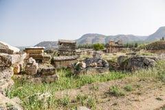 希拉波利斯,土耳其 古老大墓地的埋葬 免版税库存照片
