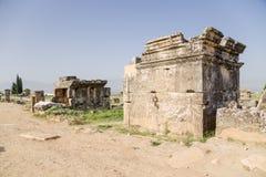 希拉波利斯,土耳其 土窖在古老大墓地 免版税图库摄影
