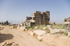 希拉波利斯,土耳其 在古老大墓地的废墟 免版税库存照片