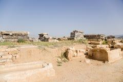希拉波利斯,土耳其 石棺在古老大墓地 免版税库存照片